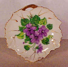 LOVELY SMALL FIGURAL DISH  COLORFUL VIOLETS