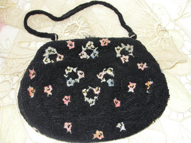 VINTAGE  EVENING BAG PURSE  FOR WALBORG BELGIUM HAND BEADED WITH EMBROIDERY WORK