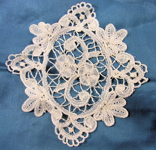 Antique Honiton Lace Applique Insert Lovely Delicate Roses Pattern Perfect For Bridal Dress Baby Bonnets Lamp Shades Heirloom Sewing