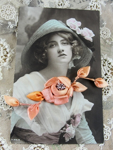 AUTHENTIC French Ribbonwork Large Spray of Roses Buds Rosette Ribbon Flowers 1920s Flapper era Floral with Stamens Peachy Pink Never Used