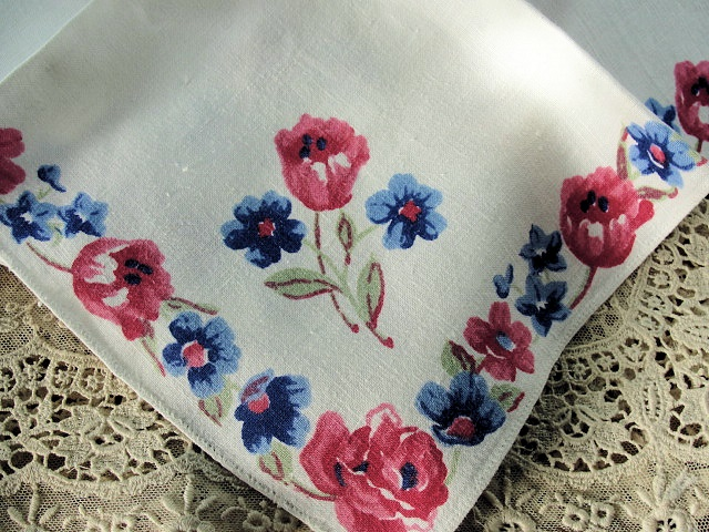 Beautiful Vintage Mid Century Irish Linen Napkins Set Colorful Roses Flowers Border Luxury LinensTable Linens