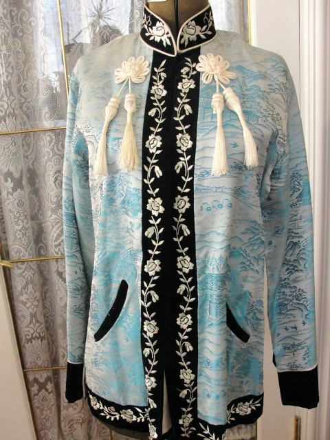 Vintage1950s Asian Ladies Oriental Jacket Susie Wong Style Lovely Light Blue Scenic Brocade Silk Embroidered Velvet Trim Lounging