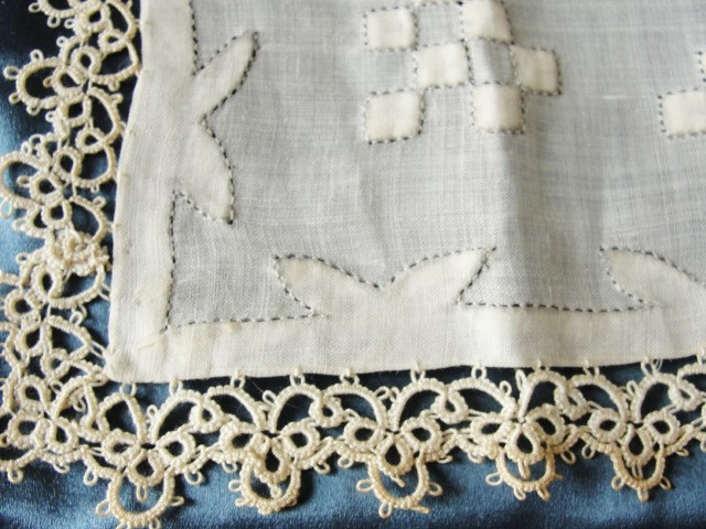 ANTIQUE Wedding Handkerchief Art Deco Applique Lavish Hand Tatted Lace Beautiful Bridal Hankie Stunning Madeira Linen Hanky