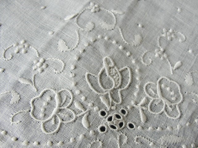 30s Vintage MADEIRA Hand Embroidered Hankie Handkerchief White Work Embroidery ROSES Openwork Wedding Bridal Bridesmaids Special Hanky