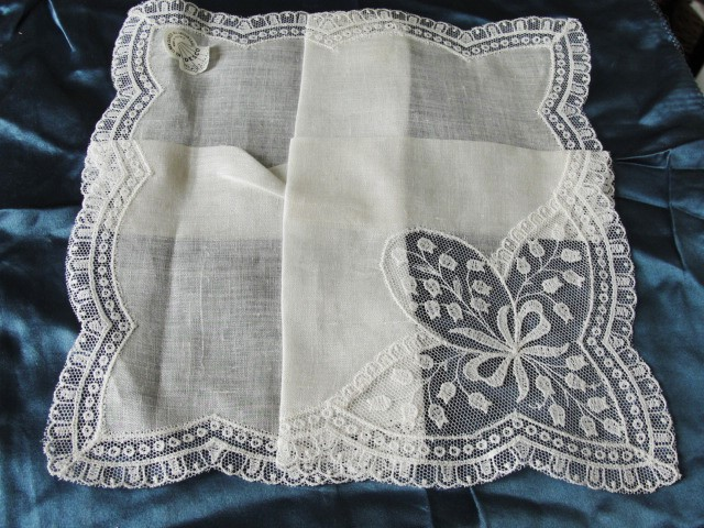 GORGEOUS Antique Austrian Lace Hankie BRIDAL WEDDING HANDKERCHIEF Special Bridal Hanky Fancy Lace Insert LILY of The VALLEY Flowers  Never Used!