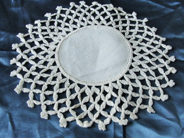 Lovely Vintage Linen and Crochet Hand Made Lace Small Doily UNIQUE Design Great Cottage Romantic Home Decor