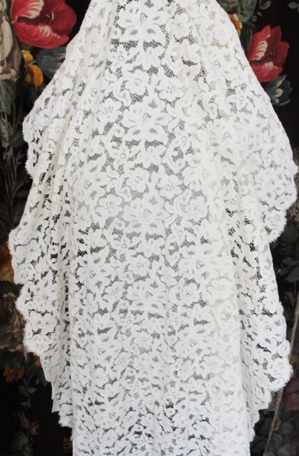 AMAZING 1940s Creamy White Cotton Lace Yardage Perfect For BRIDAL WEDDING Dress Intricate Pattern 5 Yards Available 3 Feet Wide Excellent