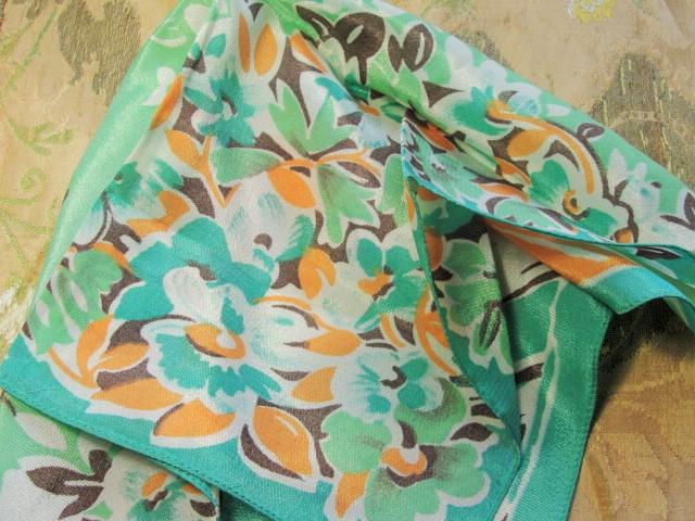 LOVELY Vintage 30s ART DECO Silky Printed Floral Hanky Pretty Flowers Hankie Greens Coral Colors Handkerchief