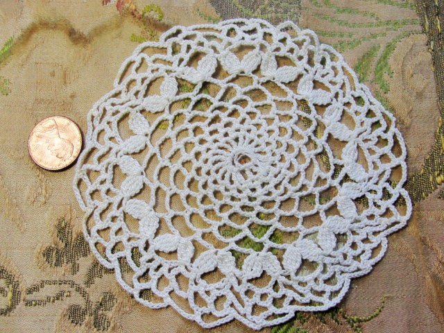 Vintage Hand Crochet Lace Doily Fine Workmanship Decorative