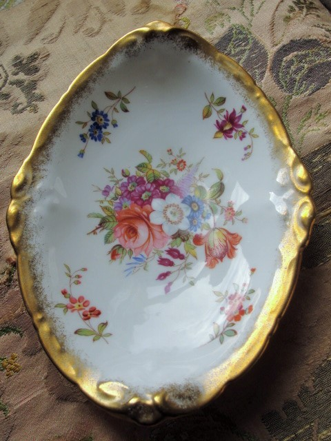 LUXURIOUS Vintage Hammersley English Bone China LADY PATRICIA Handled Small Serving Dish Lavish Gold Trim Perfect For Tea Table, Weddings,Bridal Showers Brocante Decor