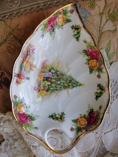 CHARMING Vintage CHRISTMAS MAGIC  By Royal Albert English Bone China Candy Serving Dish Perfect For The Holidays or as a Gift