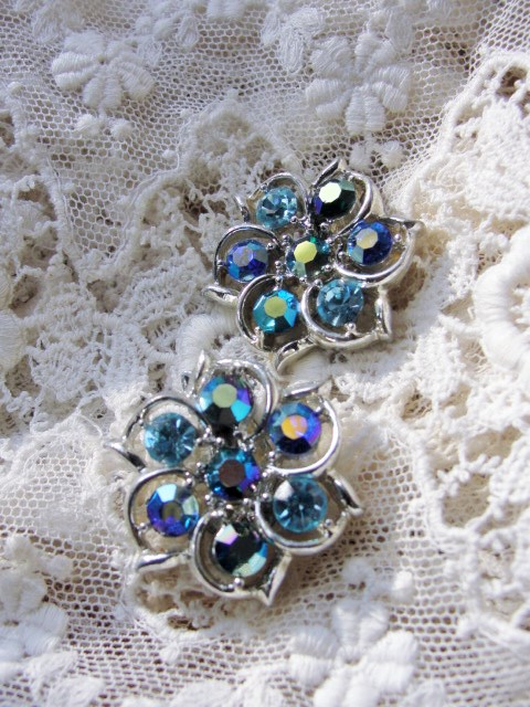 SPARKLING Flower Shape Vintage 50s Clip On Earrings BLUE Aurora Borealis Rhinestones Gorgeous Timeless Design Vintage Costume Jewelry