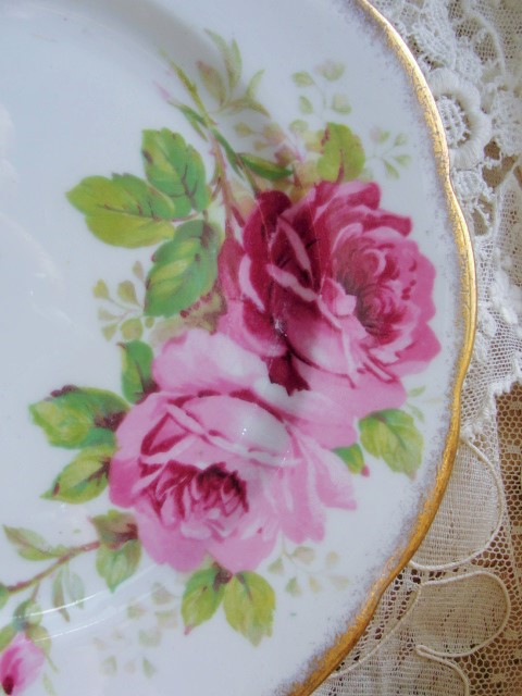 LUSH Pink Roses AMERICAN BEAUTY Paul Longpre Royal Albert English Bone China Tea Lunch Luncheon Plate for Tea Parties, Bridal Luncheons, Showers,Romantic Cottage, Brocante,Tea Table