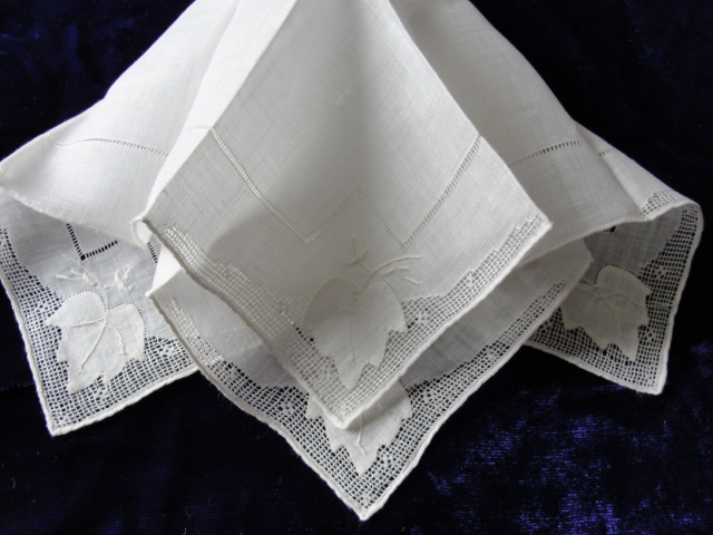 Beautiful BRIDAL Antique Applique Hand Drawnthread Work Lace Hankie WEDDING HANDKERCHIEF Bridal Hanky