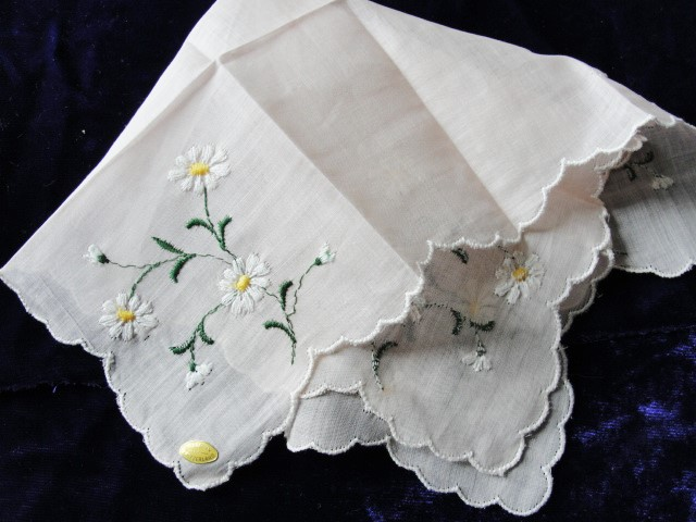 Lovely Vintage Hand Embroidered Swiss Hankie BRIDAL WEDDING HANDKERCHIEF Special Hanky Daisies Flowers Embroidery