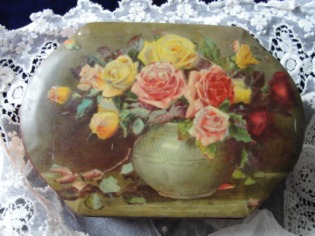 Decorative Vintage 1930s RILEYS Tin Box, Toffee Tin, British Candy Tin, Art Deco English Tin Box Lovely ROSES