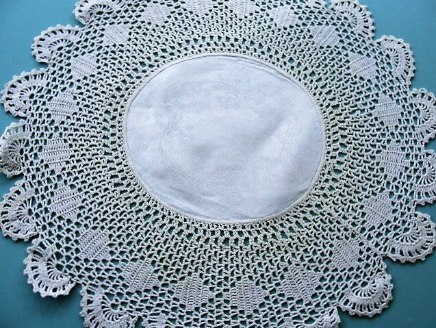 BEAUTIFUL Antique Large Doily Center Piece Intricate Hand Crochet Lace and Pansies Damask Irish Linen Center Fine Vintage Linens