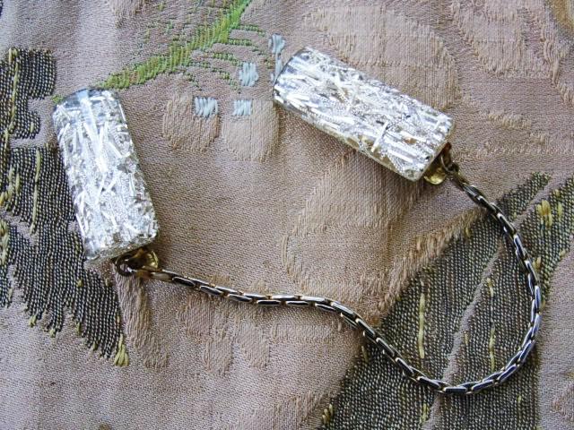 FUN Rockabilly 50s Confetti Lucite Sweater Clips, Cardigan Clip, Lucite Gold Confetti Sweater Clip, Vintage Sweater Guard Clip, 1950s Costume Jewelry