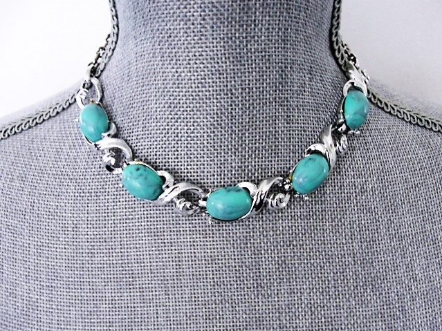FABULOUS 1950s Turquoise Glass Stones and Silver Tone Metal Necklace Wear or Collect Vintage Costume Jewelry