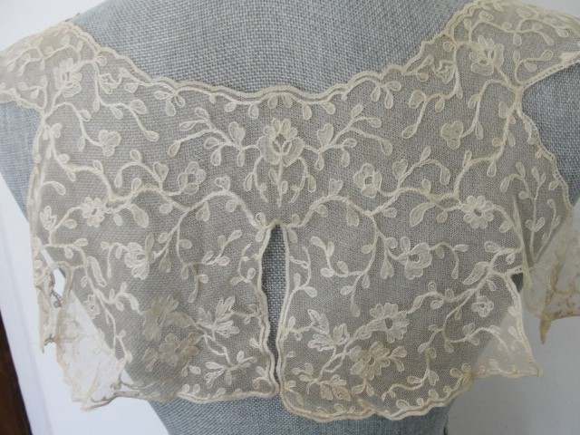 GORGEOUS 20s-30s French Lace Cape Collar Capelet Tambour Embroidered Lace Flowers Gatsby Flapper Downton Abbey Bridal Vintage Clothing
