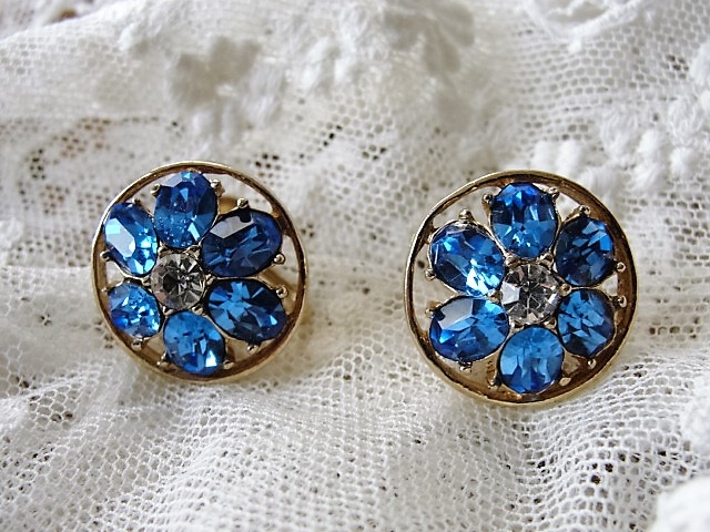 STUNNING CornFlower Blue Vintage CORO signed Earrings Screw Back Vintage Costume Jewelry