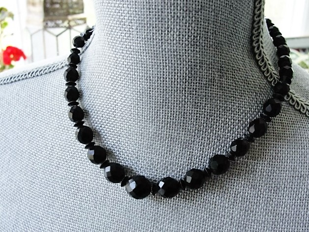 GLITTERING Vintage Black Glass French Jet Bead Necklace Gorgeous Faceted Beads Vintage Costume Jewelry