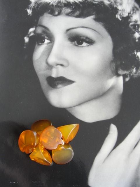 FABULOUS Art Deco 1930s Apple Juice Bakelite Set of Buttons Collectible Vintage Buttons