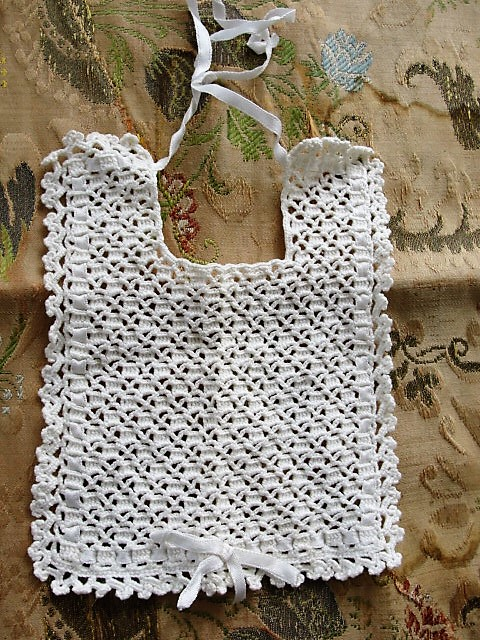 CUTE Antique Baby Bib Hand Crocheted Sweet Pattern Perfect For New Baby Gift or Dolls, Teddy Bears Collectible Childrens Clothing