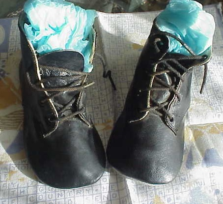 VICTORIAN HIGH TOP BABY SHOES DOLL SIZE MINT