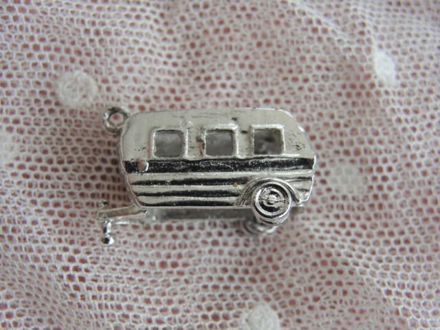 VINTAGE Sterling Silver Charm For Charm Bracelet CAMPER GLAMPER Mechanical Vintage Silver Camping Trailer Charm Collectible Old Silver Charms Perfect Gift