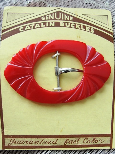 1930s ART DECO Original CATALIN Bakelite Cherry Red Carved Buckle On Original Card Large Thick Dress Buckle
