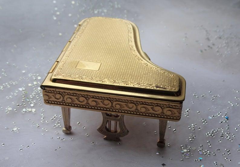 RARE Figural Powder Compact,Pygmalion Piano Compact,Novelty Collectible,Folding Legs,Grand Piano,Purse Compact,Collectible Powder Compacts