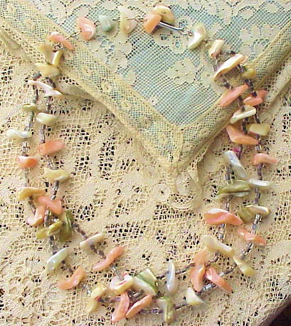 VINTAGE LUSTROUS SHELL NECKLACE DOUBLE STRAND
