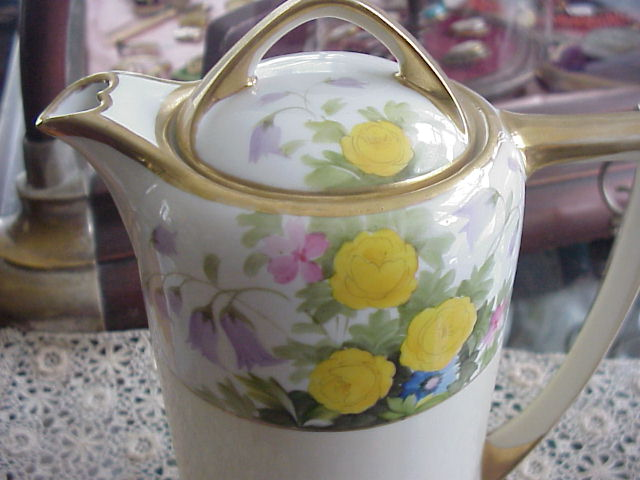 LOVELY HAND PAINTED NIPPON CHOCOLATE POT PRETTY FLOWERS