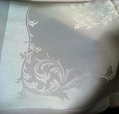 CLASSIC VINTAGE DINNER  DAMASK NAPKINS SET of 12