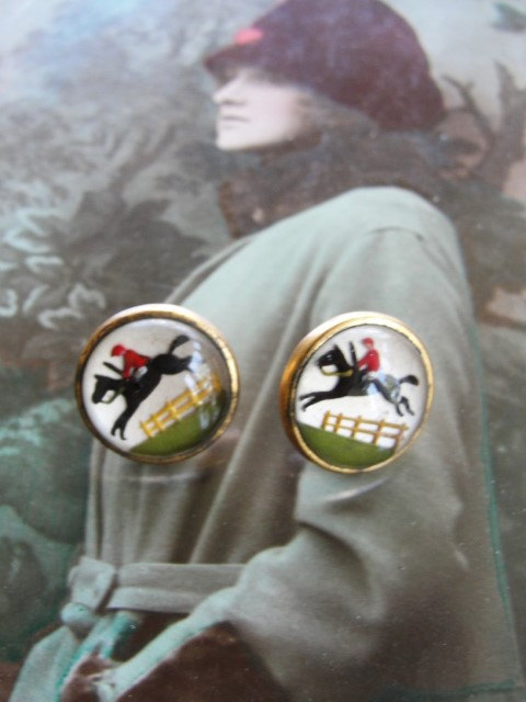 Antique ESSEX CRYSTAL Buttons Steeplechase Race Horse Jockey Reverse Detail Painted Glass Equestrian Fox Hunt Make Into Jewelry