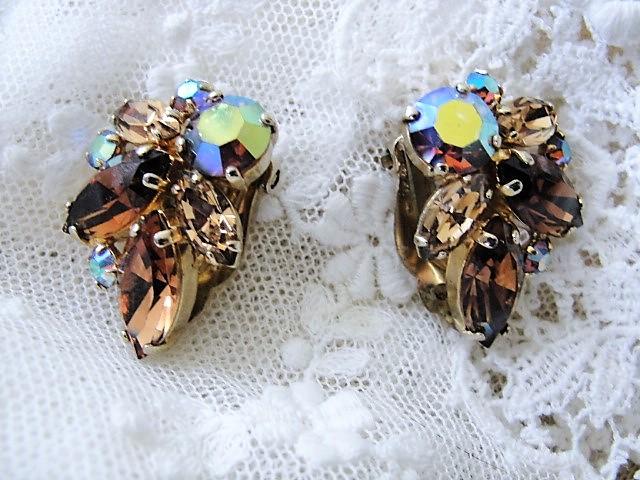 GLITTERING Topaz Brown Rhinestone Clip On Earrings With Aurora Borealis Stones Julianna Vintage Costume Jewelry