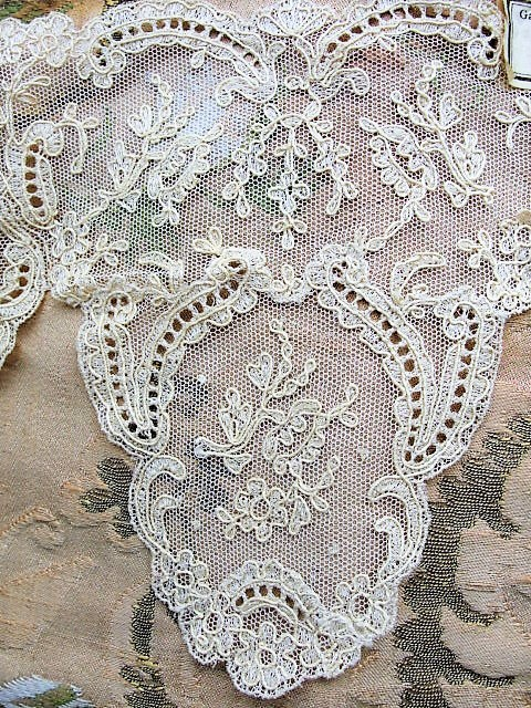 Breathtaking Antique FRENCH Netted Tambour LACE Circular FLOUNCE Applique Roses Flowers Bridal Wedding Flapper Era Downton Abbey Gatsby