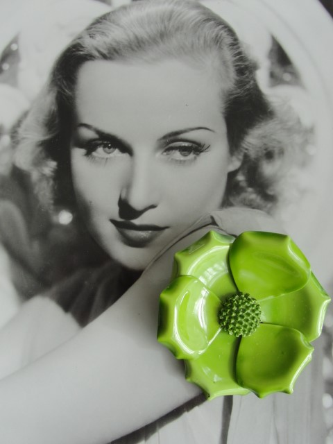 VINTAGE 1960s MOD Enamel Metal Figural Large Flower Floral Brooch Pin Collectible Costume Jewelry