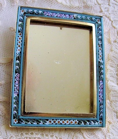 VINTAGE  MOSAIC SMALL PHOTO FRAME 2 INCHES by 2.5 INCHES