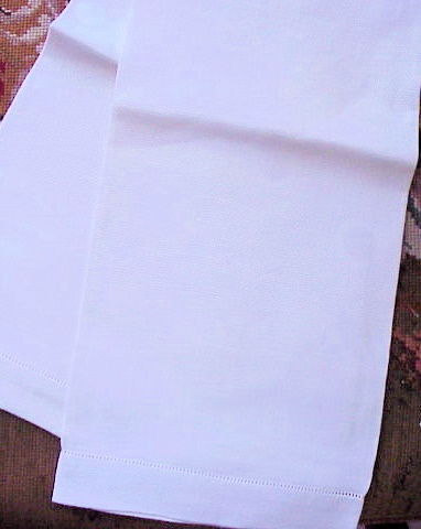 VINTAGE DECO IRISH LINEN LARGE TOWEL GREEK KEY POLKA DOT PATTERN
