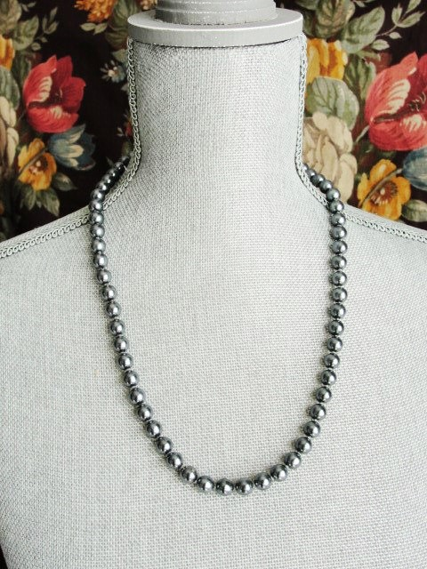 Vintage 50s LUXURIOUS Lustrous Gun Metal Blue Pearl Bead Necklace Elegant Strand Of Beads Day or Evening Costume Jewelry