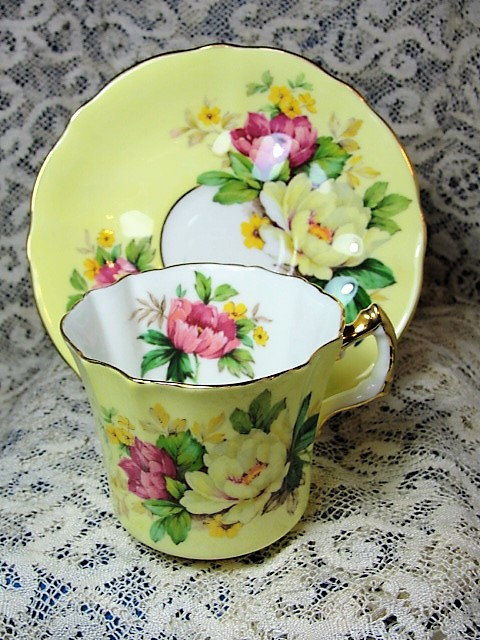 BEAUTIFUL Colorful Vintage Teacup and Saucer HAMMERSLEY English Bone China Lovely Flowers Vintage Cup and Saucer Tea Time China Collectible Cups and Saucers