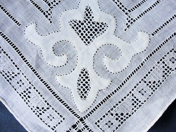 Breathtaking antique Applique Hand Drawnthread Work Lace Hankie BRIDAL WEDDING HANDKERCHIEF Bridal Hanky