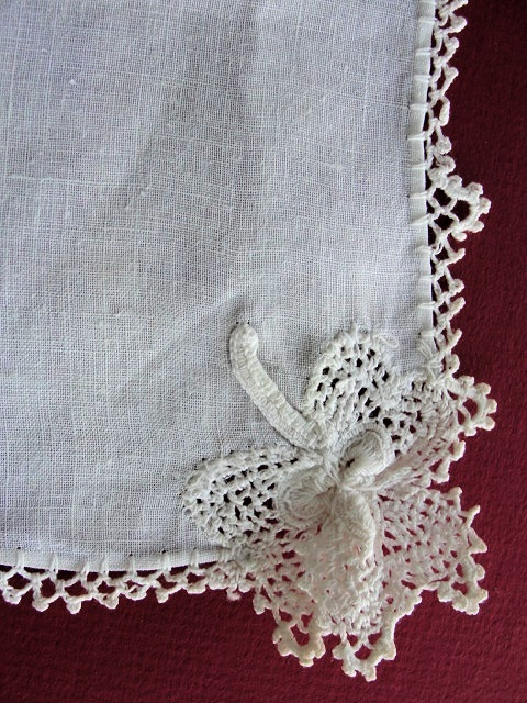 ANTIQUE IRISH CROCHET WEDDING HANDKERCHIEF HANKY