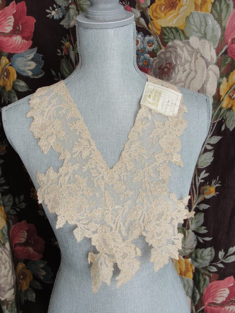 BREATHTAKING Antique French Lace Collar Tambour Embroidered ROSES Flowers Amazing Hand Work Great Gatsby Style Bridal Vintage Clothing