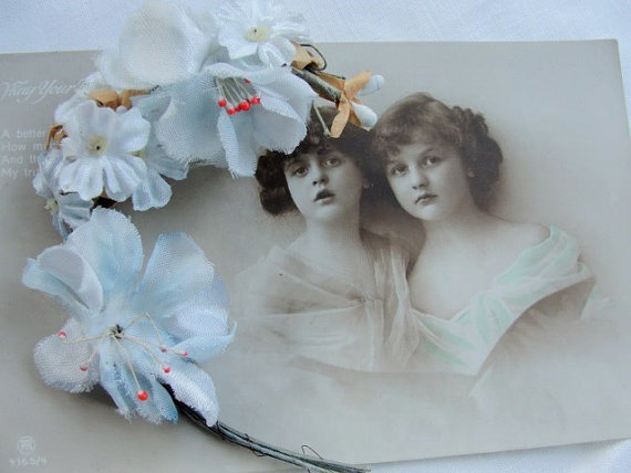 1940s VINTAGE BLUE White Silk Floral Flowers French Millinery Supplies Tiny Flowers Great For Ribbonwork Projects Hats Dolls Bridal Bouquet