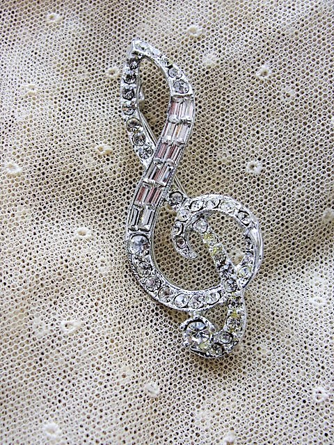 VINTAGE Sparkling Rhinestone Musical Treble Clef Music Note Pin Brooch Music Lover Collectible Vintage Jewelry