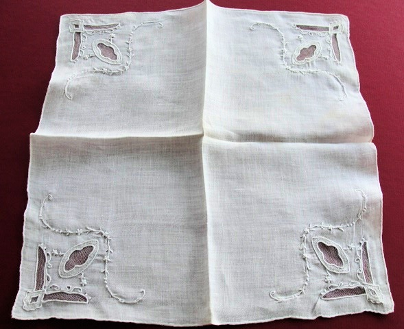 LOVELY ANTIQUE WEDDING BRIDAL HANDKERCHIEF HANKY NET LACE INSERTS SEED EMBROIDERY