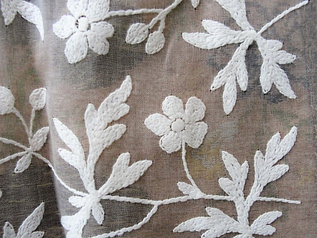 VINTAGE Embroidered Organdy Cotton Fabric Vintage Salesmans Sample Perfect For Dolls Flapper Clothing,Hats,Boudoir Lampshades etc